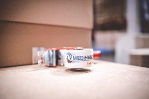 Paketabroller mit MEDiHandel Logo