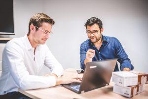 Geschäftsführer von MEDiHANDEL analysieren neue Quartalszahlen